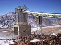 240px-Producción_Minera_en_la_Cordillera_de_los_Andes,_prov._de_San_Juan